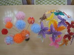 ぽわぽわのお花と蝶々たち