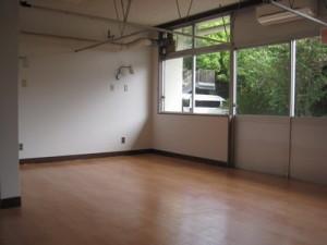 床と壁紙がきれいになりました