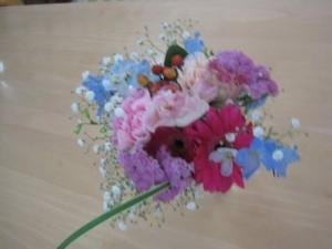 ロザリオ幼稚園のお花プレゼント