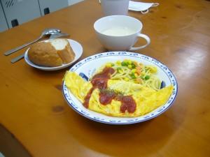 昼食オムレツ131126-2